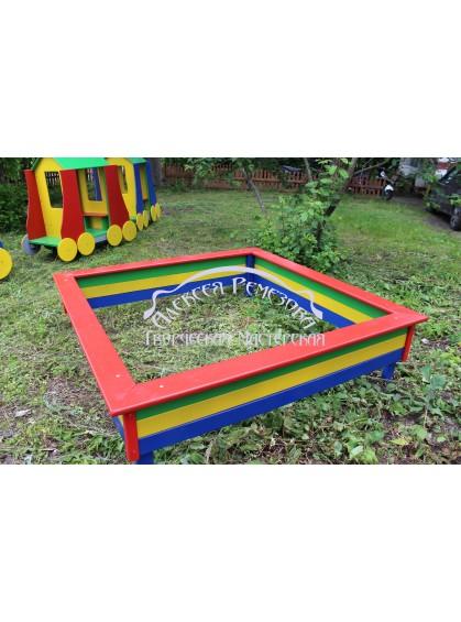 Детская игровая песочница из дерева