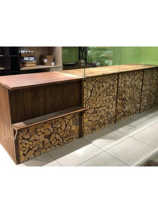 Торговый прилавок из дерева для продажи выпечки